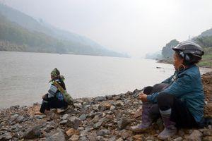 Lào Cai thông tin chính thức vụ chìm thuyền vỏ sắt chở công nhân, ít nhất 5 người tử vong
