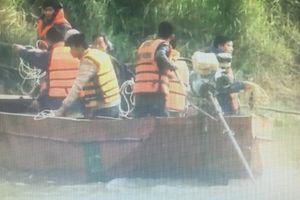 5 người chết, 4 người mất tích trên sông Hồng giáp biên giới Trung Quốc