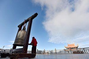 'Lạc bước' trước hình ảnh tâm linh trên đỉnh Fansipan