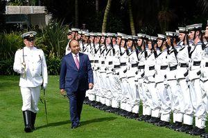 Thủ tướng New Zealand chủ trì lễ đón Thủ tướng Nguyễn Xuân Phúc