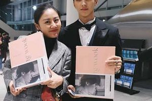 Sau nghi án hẹn hò, Văn Mai Hương - Bình An nắm tay nhau đi gặp Lee Dong Wook