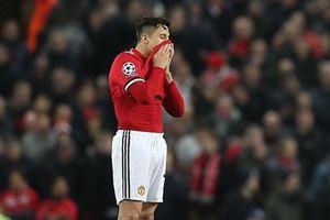 Gục ngã tại Old Trafford, Man Utd rời Champion League