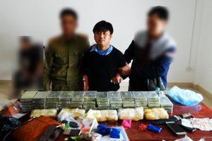 Điện Biên: Bắt 3 đối tượng mua bán trái phép heroin và ma túy mang theo vũ khí nóng
