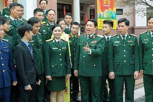 Quân ủy Trung ương gặp mặt Gương mặt trẻ tiêu biểu toàn quân 2017