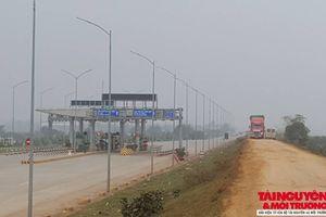 Tam Nông – Phú Thọ: Đê xung yếu có nguy cơ 'hỏng' nặng vì xe tải né trạm thu phí
