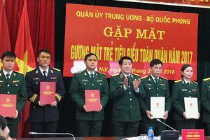 Nhiều gương mặt trẻ được thăng quân hàm, nâng lương trước thời hạn