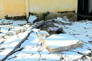 Vĩnh Long: Một người tử vong khi phá dỡ tường nhà mẫu giáo cũ