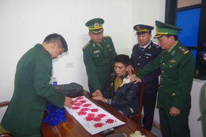 Bắt giữ vụ vận chuyển 3.200 viên ma túy tổng từ lào vào Việt Nam