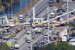 Sập cầu đi bộ ở Florida, hàng chục người thương vong