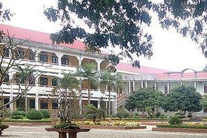 Cảnh cáo Hiệu trưởng cho học sinh nghỉ học để đi giao lưu trong giờ hành chính