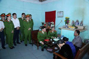 Chia sẻ, động viên gia đình Thiếu úy Bùi Minh Quý