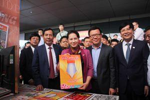 Chủ tịch Quốc hội Nguyễn Thị Kim Ngân dự Hội Báo toàn quốc 2018