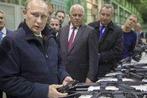 Khi nước Nga khó khăn, Putin từng 'khổ' thế nào?