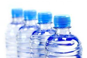 Phần lớn nước đóng chai đều chứa phân tử nhựa cực kỳ nguy hại