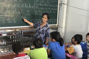 40 năm cô giá o Son dạy học trò miễn phí