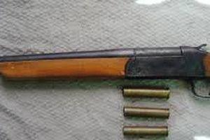 Hai nhóm côn đồ sử dụng súng hoa cải để giải quyết mâu thuẫn