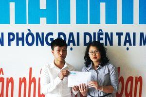 Trao hơn 100 triệu đồng cho mẹ con thai phụ Thúy Hồng