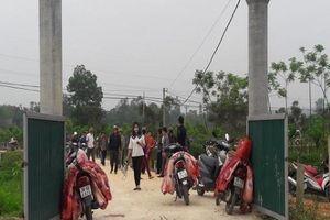 Hà Tĩnh: Dân bức xúc vì lò mổ chứa lợn có triệu chứng bệnh