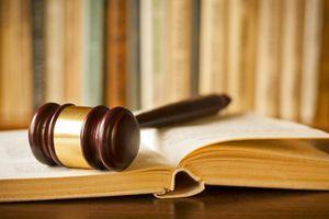 Tài chính tuần qua: Người mất 245 tỷ đồng xem xét khởi kiện Eximbank vì phát ngôn thiếu tôn trọng!
