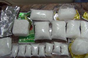 Triệt phá một đường dây buôn bán ma túy lớn ở TPHCM