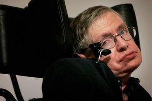 Stephen Hawking tiên đoán sự kết thúc của Trái đất 2 tuần trước khi chết