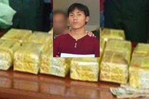 Nhận tiền công 120.000 USD để vận chuyển 15kg ma túy 'đá'