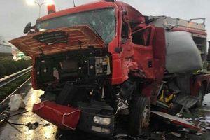 Vụ xe khách tông xe cứu hỏa trên cao tốc: Phó thủ tướng yêu cầu điều tra