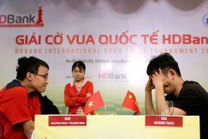 Sandro Mareco 'hút hồn' fan nữ tại đấu trường Cờ vua Quốc tế HDBank