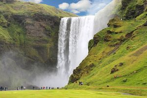 Vì sao bạn phải đến Iceland vào mùa hè một lần trong đời?