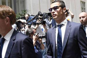 Phủ nhận trốn thuế, C.Ronaldo lại lén lút dùng tiền chạy án!