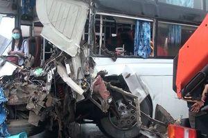 Xe chữa cháy va chạm xe khách trên cao tốc: Cần xem xét trách nhiệm của lãnh đạo PCCC?