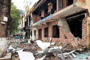 Hiện trường vụ nổ kinh hoàng tại tòa nhà 2 tầng trong đêm giữa lòng thành Vinh