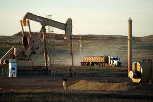 Căng thẳng chính trị tại Trung Đông đẩy giá dầu thế giới tăng mạnh