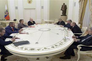 Ông Putin họp kín với 7 'đối thủ' ngay sau khi giành chiến thắng áp đảo