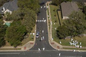 Cảnh sát Mỹ truy tìm kẻ đánh bom hàng loạt ở Texas