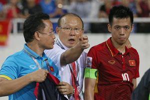 Vì sao HLV Park Hang Seo gạt Văn Quyết, ưu ái trò cưng?