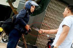 Điều tra, làm rõ việc PV Dương Dũ Tuấn bị côn đồ cầm dao dọa giết tại Bình Định