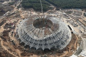 FIFA cảnh báo tiến độ xây dựng chậm trễ của sân phục vụ World Cup 2018