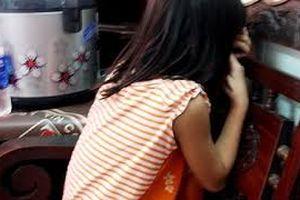 Thiếu niên giở trò đồi bại với bé gái 11 tuổi bị khởi tố