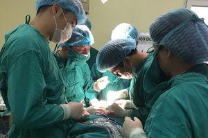 Ca mổ u tuyến giáp qua đường miệng đầu tiên ở Việt Nam