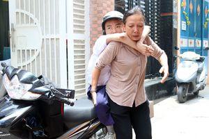 Chạm vào ước mơ 12: Hải 'robot' đến trường bằng đôi chân của mẹ