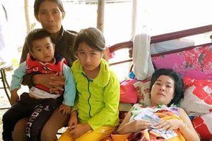 Người mẹ 2 con bị ung thư không tiền điều trị: 'Nhìn con nhỏ dại, nghĩ đến cái chết cận kề tôi lại sợ'