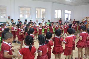 Hàng trăm trẻ mầm non con công nhân được áp dụng phương pháp giáo dục mới