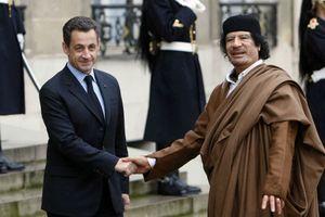 Sóng gió bủa vây ông Sarkozy