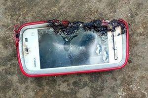 Thiếu nữ thiệt mạng vì điện thoại Nokia phát nổ