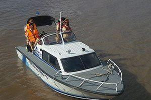 Tàu cá lật chìm trên biển, 2 ngư dân mất tích