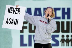 Miley Cyrus trình diễn 'The Climb' đầy xúc động sau gần 10 năm
