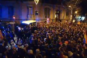 Biểu tình bùng nổ ở Catalonia khi cựu Thủ hiến Puigdemont bị bắt
