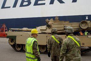 Mỹ đưa hàng trăm xe bọc thép tới sát Syria, dọa gây chiến?