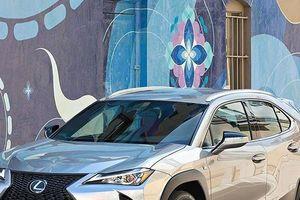 Lexus UX 2019 'bằng xương bằng thịt' đấu Mercedes GLA, BMW X1